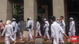 Massa Beratribut FPI Berkumpul di Istiqlal Sebelum ke Bawaslu