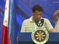 VIDEO: Duterte Dihinggapi Kecoak Saat Pidato Kampanye