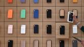 Apple bekerja dengan para pakar konservasi untuk dengan hati-hati melestarikan fasad bersejarah, mengembalikan ruang interior ke jejak kaki aslinya. (REUTERS/Clodagh Kilcoyne)