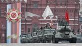 Rusia memamerkan berbagai senjata termutakhir dalam parade militer untuk memperingati kemenangan Uni Soviet atas Nazi pada Perang Dunia II. (Reuters/Shamil Zhumatov)