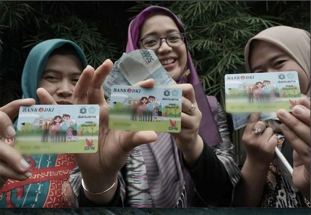 Asyik! Ibu-ibu PKK Sekarang Dapat Kartu Dasa Wisma