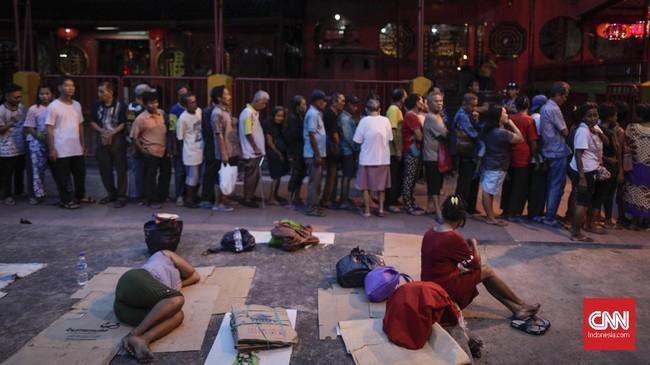 Kegiatan ini merupakan bentuk toleransi kehidupan beragama serta penyampaian pesan persahabatan untuk saling menghargai dan menghormati di bulan Ramadan. (CNN Indonesia/Adhi Wicaksono)