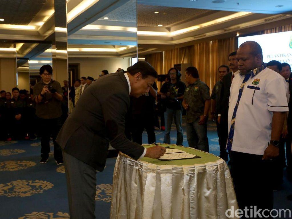 Di HUT ke-68 PBSI itu Wiranto berharap skuat tim nasional Indonesia mampu merebut gelar juara Piala Sudirman 2019 dan menjadi kado terindah bagi induk organisasi bulutangkis Indonesia tersebut.