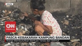 VIDEO: Pasca-Kebakaran Kampung Bandan, Warga Cari Sisa Barang