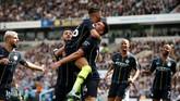 Manchester City akhirnya berhasil mencetak tiga gol tambahan lewat Aymeric Laporte, Riyad Mahrez, dan Ilkay Guendogan. Manchester City mengakhiri pertandingan dengan skor 4-1. (Reuters/John Sibley)