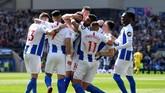 Manchester City sempat dikejutkan oleh gol Brighton & Hove Albion di menit ke-27 lewat Glenn Murray yang membuat Manchester City tertinggal 0-1. (REUTERS/Toby Melville)