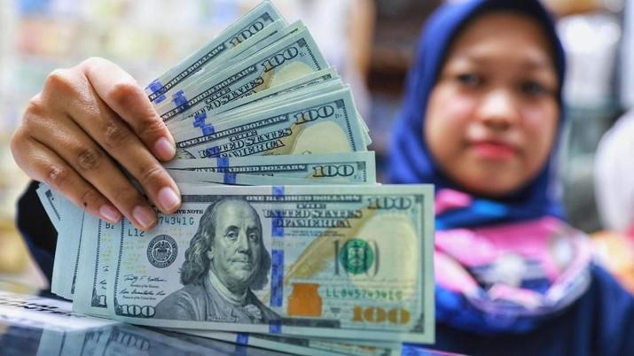 Pukul 13:00 WIB, Rupiah Bertahan di Jalur Hijau di 14.440/US$