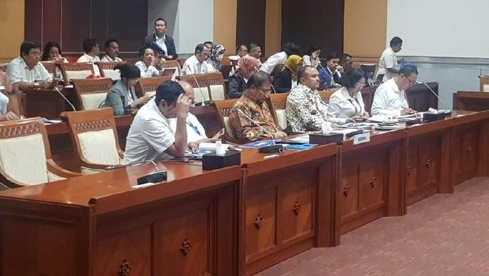Menteri Rudiantara meminta dukungan dari DPR agar pembahasan RUU perlindungan data pribadi dapat dipercepat pembahasannya.