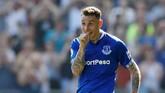 Bek kiri Everton Lucas Digne bisa menambah sangar sisi sayap pertahanan. Ia total mencetak empat gol dan empat assist di Liga Primer Inggris musim ini. (Reuters/Jason Cairnduff)