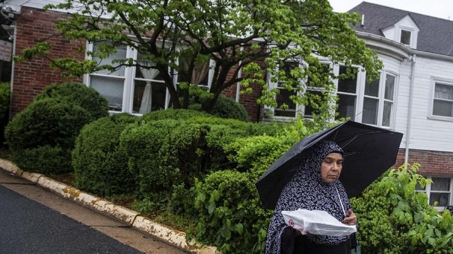 Selama bulan Ramadan sebagian besarumat muslim di Amerika Serikat biasanya berkumpul sambil menunggu waktu berbuka puasa.