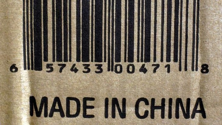 Sejumlah produk konsumen yang dibuat di China dan dijual di Amerika Serikat (AS) terkena dampak kenaikan bea impor yang baru diterapkan, Jumat.