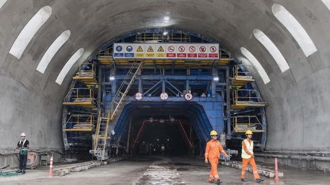 Pembangunan kereta cepat Jakarta-Bandung juga akan diiringi dengan pembangunan properti di sekitar stasiun proyek transportasi massal tersebut atau disebut Transit Oriented Development (TOD). (ANTARA FOTO/M Agung Rajasa)