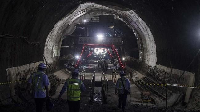 Proyek kereta cepat Jakarta-Bandung ditargetkan dapat rampung pada 2020. (ANTARA FOTO/M Agung Rajasa)
