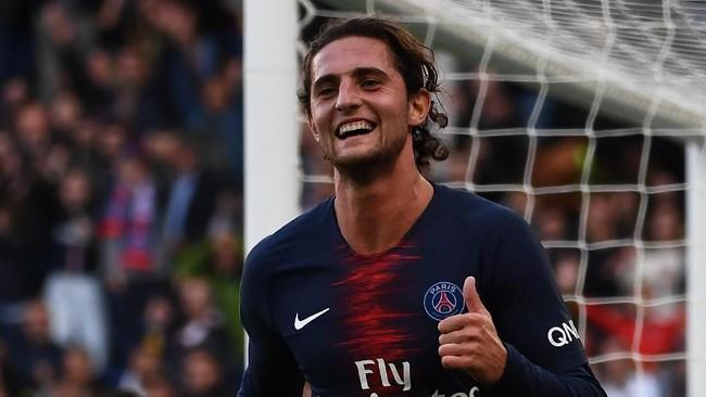 Adrien Rabiot menjalani musim yang tidak menyenangkan di Paris Saint-Germain bersama pelatih Thomas Tuchel dan memiliki kans mencoba peruntungan di liga Inggris. (Anne-Christine POUJOULAT/AFP)