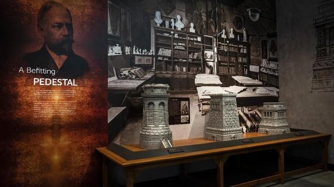 Dibukanya Museum Patung Liberty di era sekarang saat imigrasi menjadi topik yang hangat diperbincangkan sejak AS diperintah Presiden Donald Trump, dinilai sebagai momen tepat. (Drew Angerer/Getty Images/AFP)