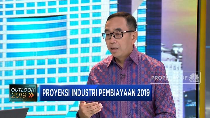 Suwandi Wiratno kembali terpilih menjadi Ketua Umum Asosiasi Perusahaan Pembiayaan Indonesia.