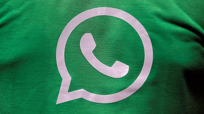 FILE PHOTO: A logo of WhatsApp is pictured on a T-shirt worn by a WhatsApp-Reliance Jio representative during a drive by the two companies to educate users, on the outskirts of Kolkata, India, October 9, 2018. Picture taken October 9, 2018. REUTERS/Rupak De Chowdhuri - RC16ED4B4AE0/File Photo