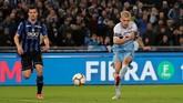 Joaquin Correa mencetak gol penentu kemenangan Lazio atas Atalanta sekaligus mengantarkan Biancoceleste meraih gelar Coppa Italia di Stadion Olimpico, Roma. (REUTERS/Ciro De Luca)