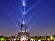 Indahnya Gemerlap Lampu Menara Eiffel di Ulang Tahun ke-130