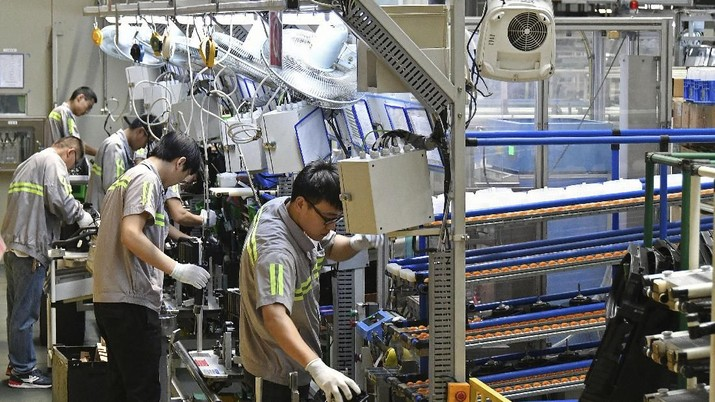 Perang Dagang Berkobar, Aktivitas Manufaktur China Loyo