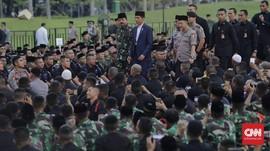 Jokowi Buka Puasa Bersama Panglima TNI dan Kapolri di Monas
