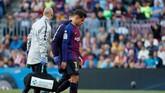 Hubungan Philippe Coutinho dengan suporter Barcelona semakin memburuk. Penampilan pemain asal Brasil itu juga tidak kunjung membaik. Rumor kedatangan Antoine Griezmann membuat Barcelona harus menjual Coutinho. (REUTERS/Susana Vera)