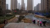Zhengzhou, ibukota provinsi, diubah menjadi pusat transportasi dan logistik lengkap dengan cakrawala futuristik dan mal-mal mewah.(REUTERS/Thomas Peter)