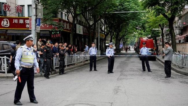 Insiden itu terjadi pada Kamis (16/5) pukul 11.00 waktu setempat. (REUTERS/Aly Song)