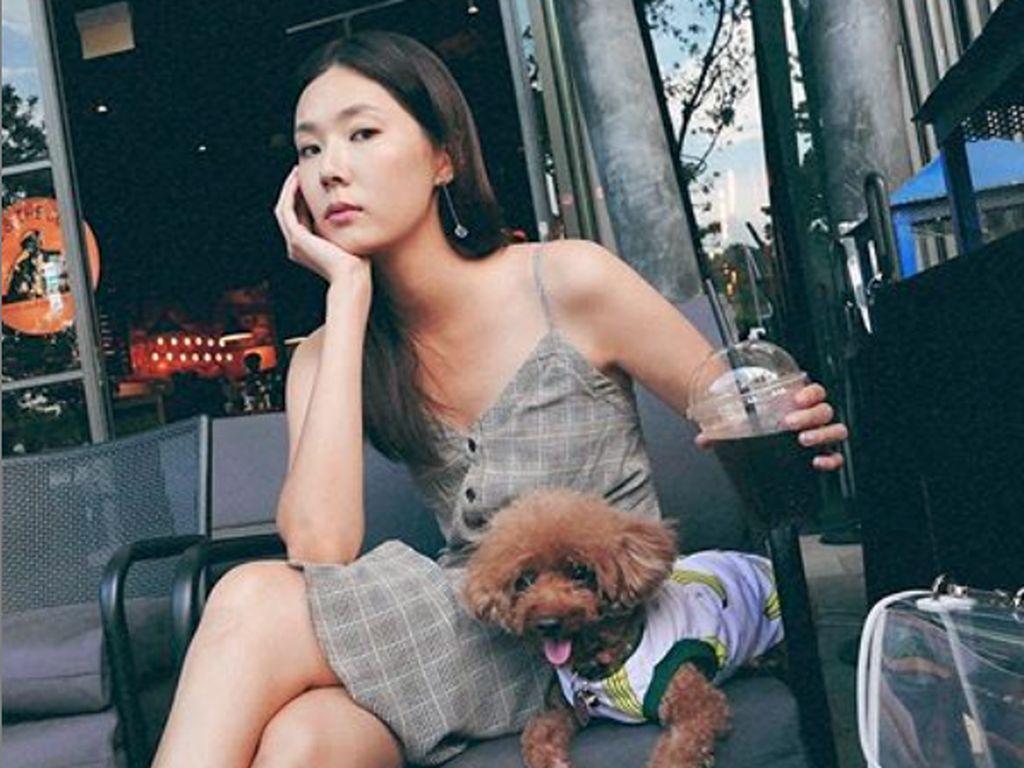 Carrie Wong jadi perbincangan di Singapura hingga saat ini. Hal itu karena pesan intim miliknya dan skandal dengan aktor Singapura lainnya terkuak.Foto: Dok. Instagram/carriewst