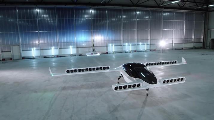 Taksi ini ditenagai oleh 36 mesin jet berbahan bakar listrik dan dapat melakukan perjalanan hingga 300 kilometer dalam satu jam.