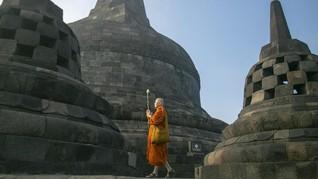 Umat Buddha Rayakan Detik-detik Waisak di Candi Borobudur