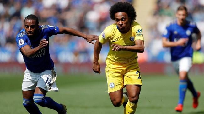 Willian sempat menjadi langganan timnas Brasil dalam beberapa turnamen belakangan. Akan tetapi, menurunnya performa Chelsea di musim ini berimbas kepada performa Willian yang kurang impresif. (Action Images via Reuters/Matthew Childs)