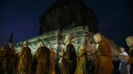Ribuan Umat Buddha Kirab Waisak Mendut-Borobudur