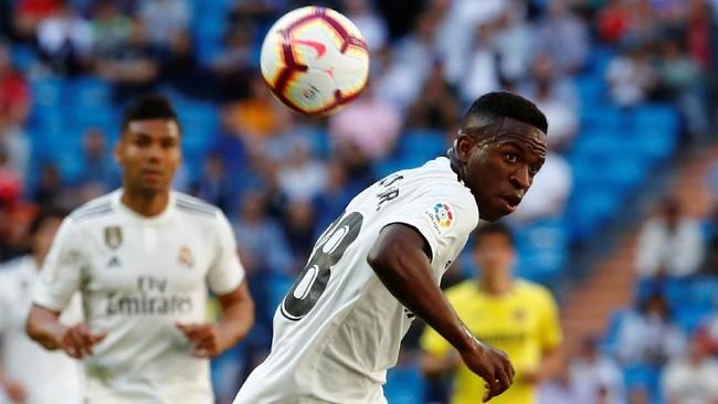 Vinicius Junior disebut-sebut memiliki talenta luar biasadan sempatmenjadi andalan Santiago Solari di Madrid. Tetapi, di bulan ini Vinicius baru saja pulih dari cedera ligamen lutut. (REUTERS/Juan Medina)