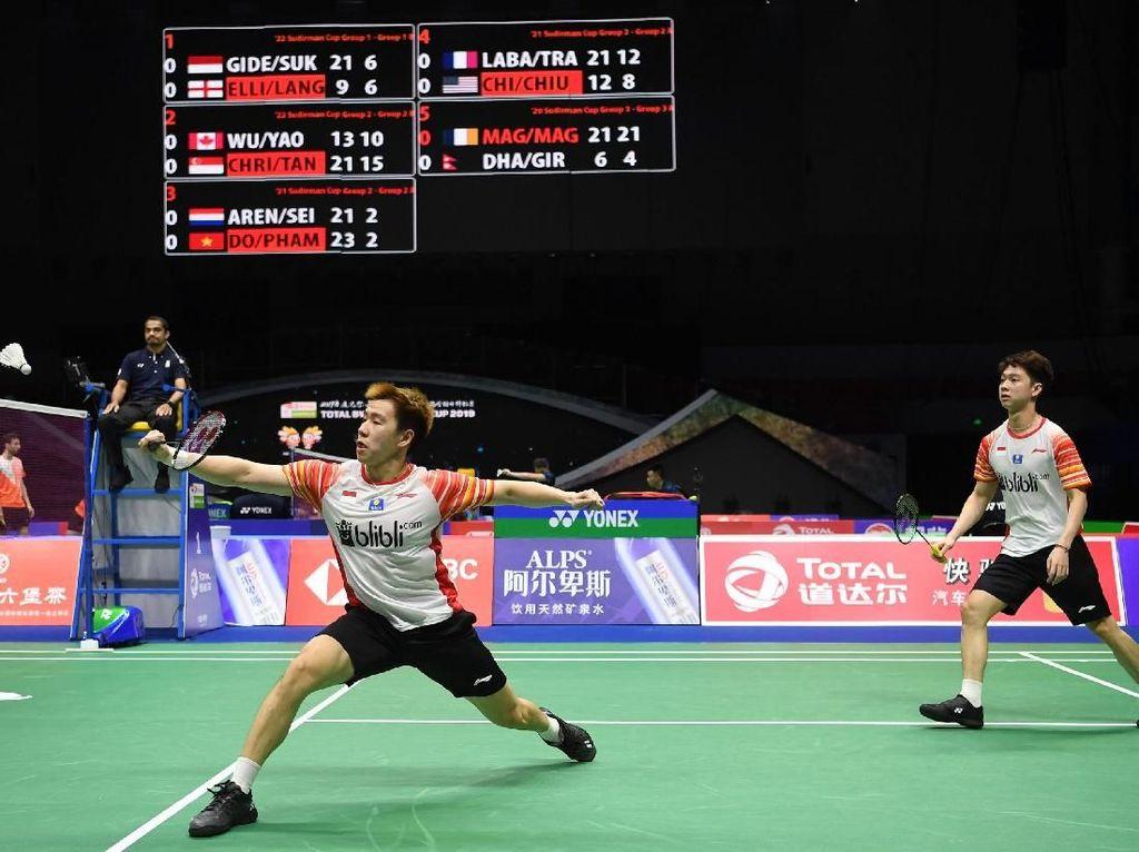 Pada pertandingan fase grup 1B yang dihelat di Guangxi Sport Center, Nanning, China, Minggu (19/5/2019), Indonesia membuka kemenangan lewat ganda andalannya Kevin Sanjaya/Marcus Fernaldi Gideon.