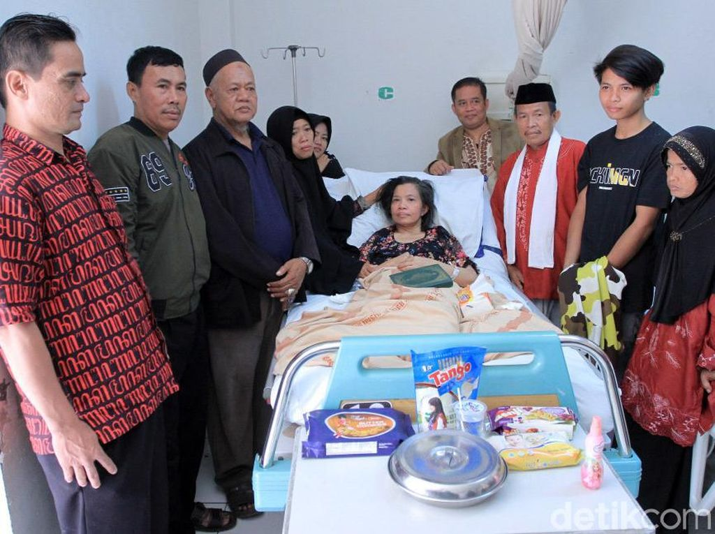 Seperti diketahui, Aminah dirawat selama empat tahun di Shagar Hospital, Arab Saudi. Setelah itu dia diboyong ke Indonesia dan menjalani perawatan selama empat bulan di RS Polri Kramatjati Jakarta, lalu diboyong ke RSUD Al-Ihsan, Provinsi Jawa Barat.