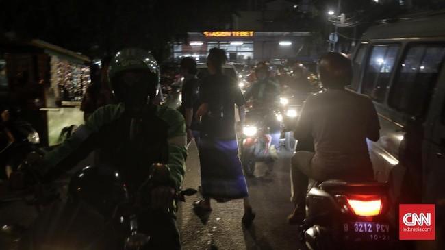Komunitas ini memfasilitasi pendidikan agar anak-anak punk memiliki kemampuan bertahan hidup dan melepas kehidupan jalanan. (CNN Indonesia/Adhi Wicaksono)