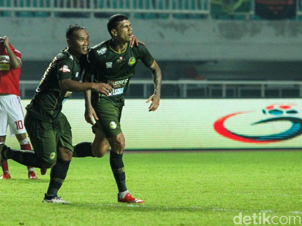 Di babak kedua, Tira Persikabo sukses melesakkan tiga gol tanpa balas. Gol pertama dibuka oleh Ciro Henrique di menit ke-60.