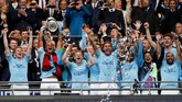 Kemenangan telak 6-0 atas Watford membuat Manchester City meraih 50 kemenangan musim ini dan jadi tim Inggris yang paling banyak meraih kemenangan dalam satu musim. (Action Images via Reuters/John Sibley)