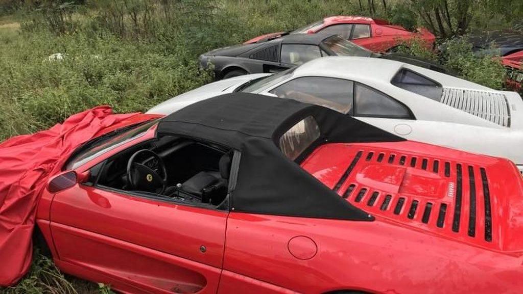 Belasan Ferrari Jadi 'Gelandangan' karena Tak Punya Garasi