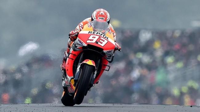 Marc Marquez menjadi pebalap tercepat pada sesi kualifikasi MotoGP Prancis 2019 dengan membukukan catatan waktu 1 menit 40,952 detik. (JEAN-FRANCOIS MONIER / AFP)