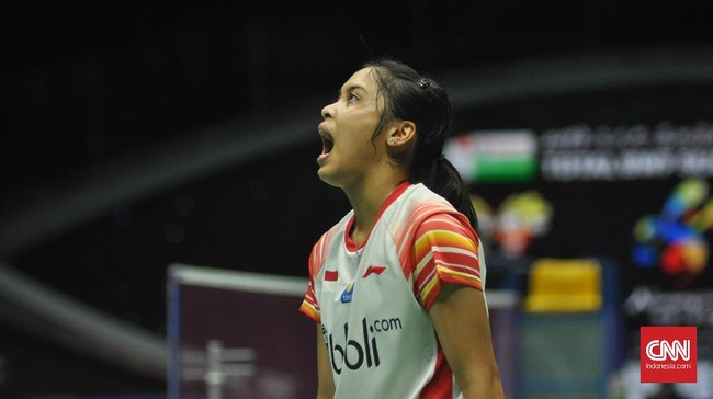 Tunggal putri Gregoria Mariska menggandakan keunggulan Indonesia menjadi 2-0 usai menang 21-10 dan 21-13 atas Abigail Holden di pertandingan kedua. (CNN Indonesia/Putra Permata Tegar Idaman)