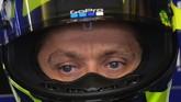 Selain Andrea Dovizioso, Valentino Rossi juga akan menjalani start dari baris kedua setelah mencatatkan waktu tercepat kelima pada sesi kualifikasi. (Photo by JEAN-FRANCOIS MONIER / AFP)