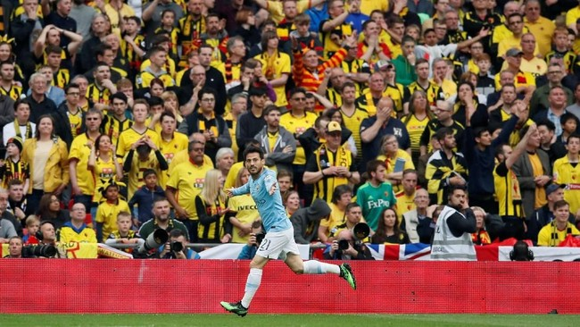 David Silva berhasil mencetak gol di final Piala FA dan Piala Liga Inggris sekaligus menyamai torehan mantan pemain Manchester City, Yaya Toure. (REUTERS/David Klein)