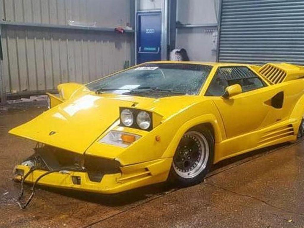 Model ini didesain oleh Horacio Pagani yang sudah bekerja di bawah bendera Lamborghini beberapa tahun sebelum membuat mobilnya sendiri. Foto: Istimewa