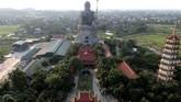 Patung Buddhasetinggi 72 meter ini terletak di distrik Son Tay.