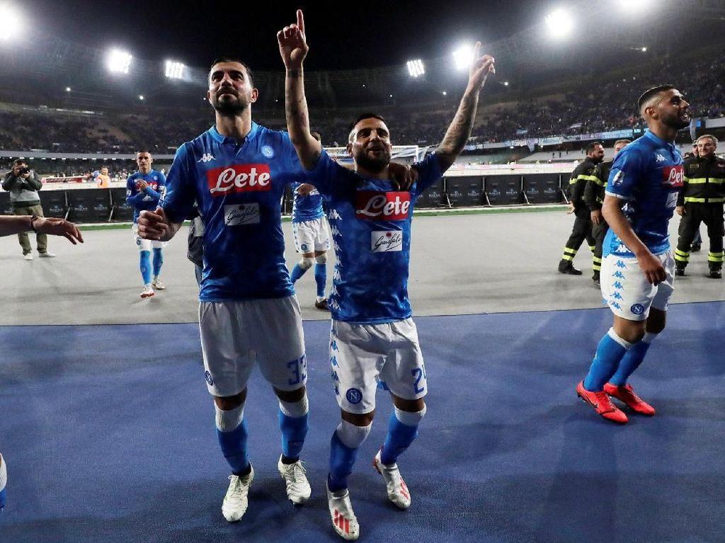Tambahan tiga poin tak mengubah posisi Napoli di urutan dua, dengan kini mengoleksi 79 poin dari 37 pertandingan. Sementara Inter disalip Atalanta, sama-sama mengumpulkan 66 poin namun unggul head-to-head. Reuters/Ciro De Luca.