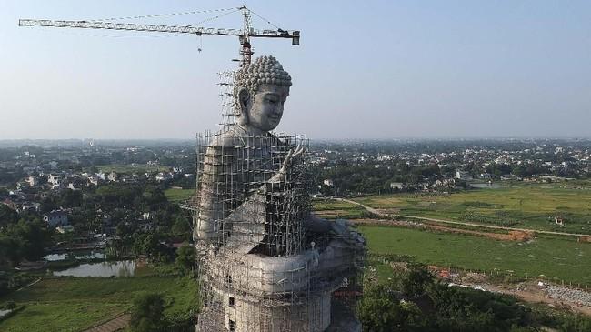 Distrik Son Tay terletak sekitar 50 kilometer dari kota Hanoi.
