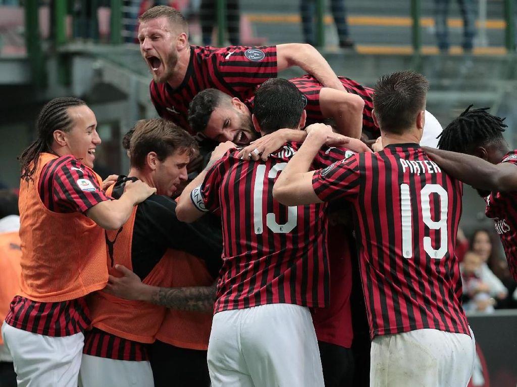 Pertandingan pun berakhir dengan skor 2-0 kemenangan untuk Milan.