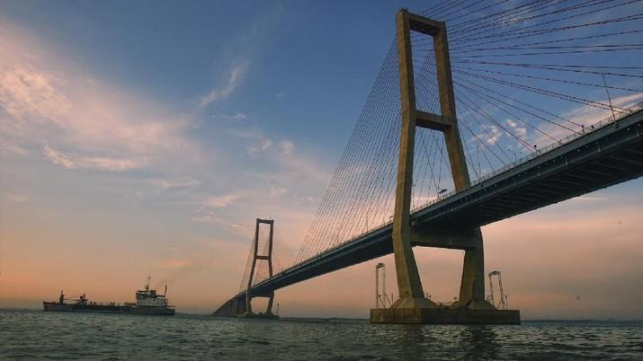 Pak Jokowi, Sebelum Bangun Jembatan Babin, Ceklah Suramadu!